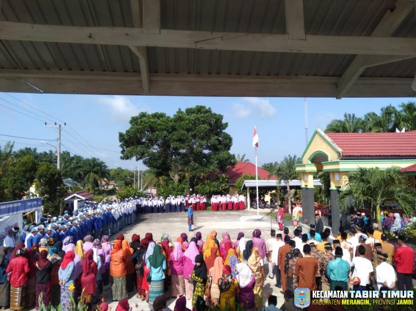Upacara Peringatan HUT Provinsi Jambi Ke -63 Berjalan dengan Khidmat.
