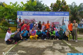 Laksanakan Senam Sehat di Halaman Kantor Camat Tabir Timur