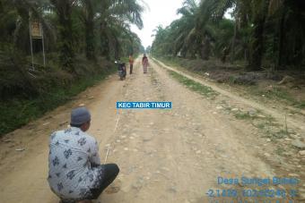 Pengerasan Jalan Merak Tahap I Desa Sungai Bulian