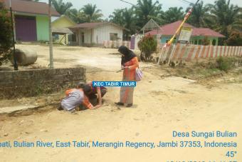 Pembuatan Plat Deker Jalan Merpati Tahap I Desa Sungai Bulian